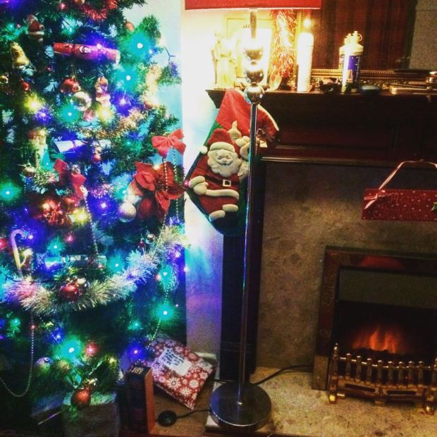 christmas tree 2016 stocking santa fireplace